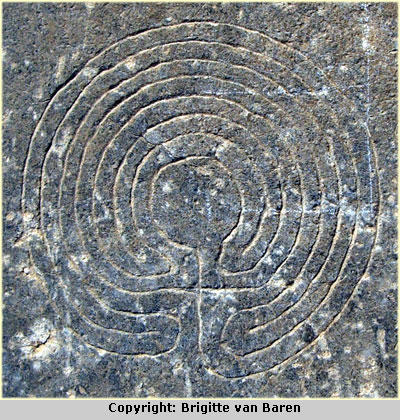 The labyrinth engraving