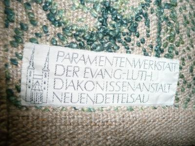 Etikett auf der Rückseite
