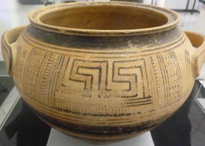 Attische Graburne (Kraterpyxis) um 750 v. Chr.
