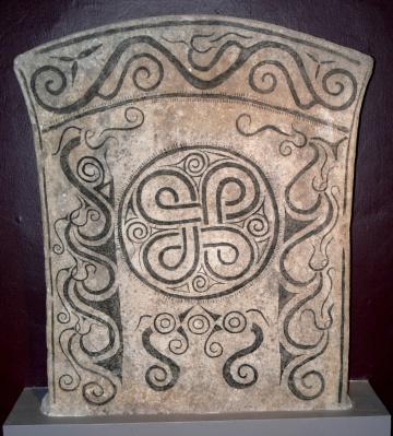 Bildstein aus Stora Havor im Museum Fornsalen